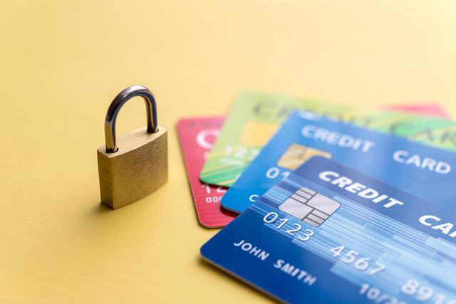 クレジットカード支払いは不可